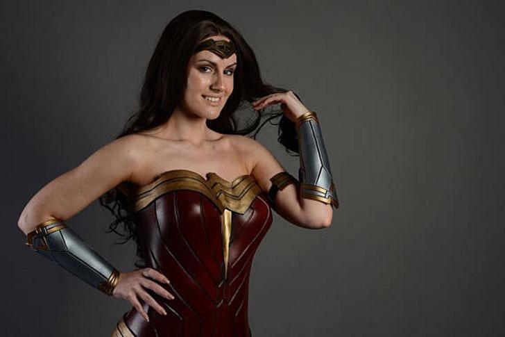 Disfraz de cosplay de Wonder Woman completo hecho por el cliente - Cosplay Ideas For Girls