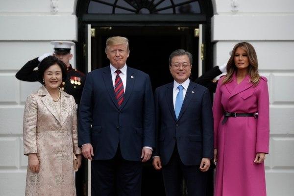 Trump y presidente surcoreano destacan necesidad de mantener la vía diplomática