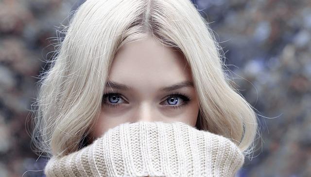 5 Hábitos diarios que te pueden provocar acné