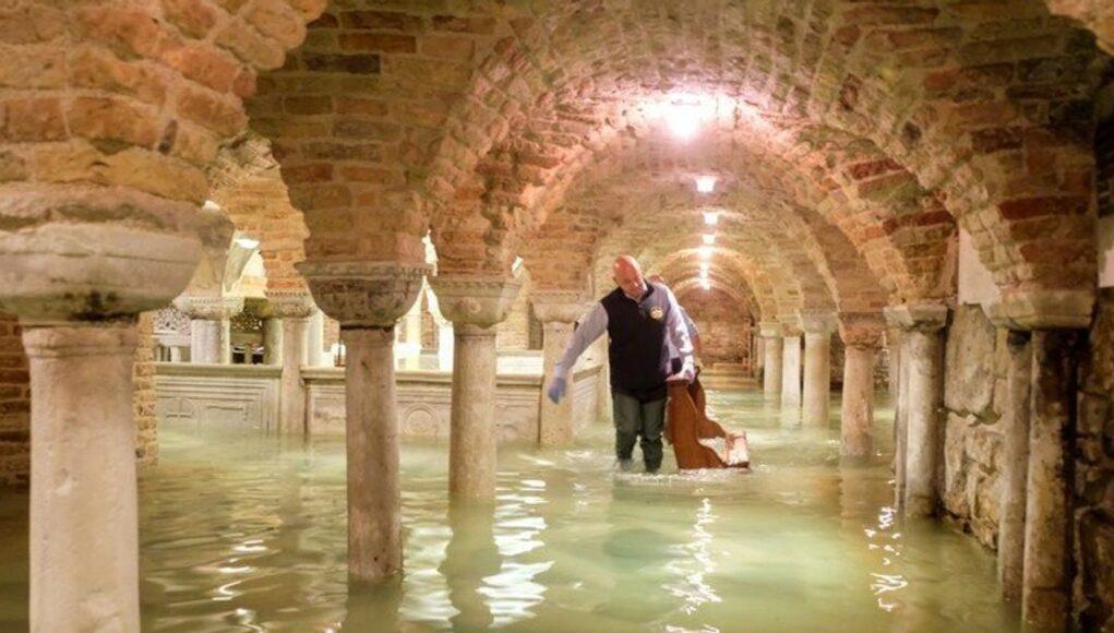 nundaciones comprometen patrimonio cultural de Venecia