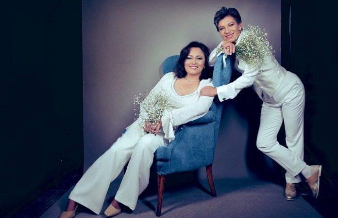 La alcaldesa electa de Bogotá, Claudia López, se casó con la senadora Angélica Lozano
