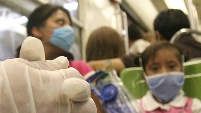 La niña con coronavirus en Madrid no presenta los síntomas clásicos de la enfermedad. Aparentemente, los niños pueden ser portadores del virus y no ocasionar grandes dificultades para su tratamiento. En China, solo el 0,9% de todos los infectados son infantes y no se han reportado bajas de menores de 10 años en ningún país del mundo.