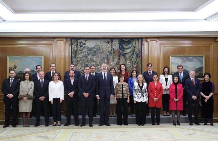 Toma posesión el nuevo gobierno de coalición de izquierda de España
