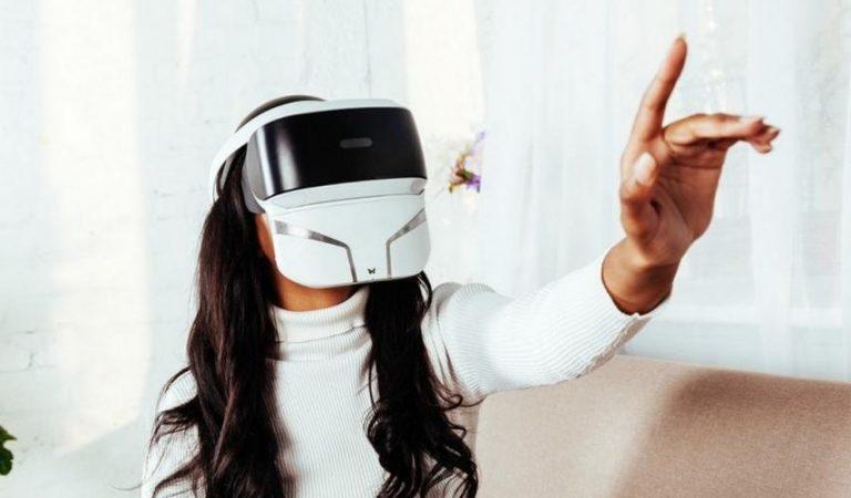 Una nueva máscara de realidad virtual permitirá percibir olores y sentir frío o calor
