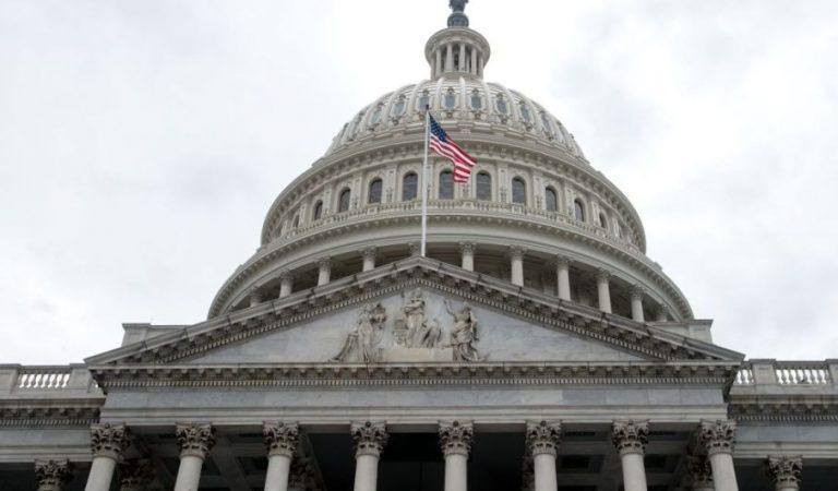 Cámara de Representantes de EE.UU. votó a favor de bloquear la declaración de emergencia nacional de Trump
