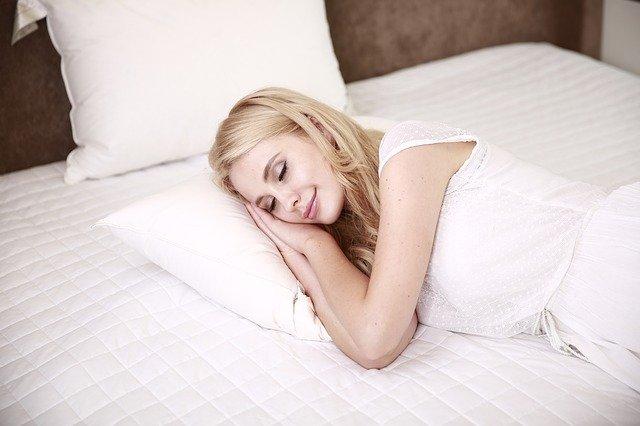 5 consejos para cuidar tu piel por la noche