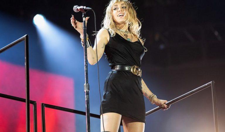 Miley Cyrus hizo una aparición sorpresa en el desfile de Marc Jacobs de Nueva York