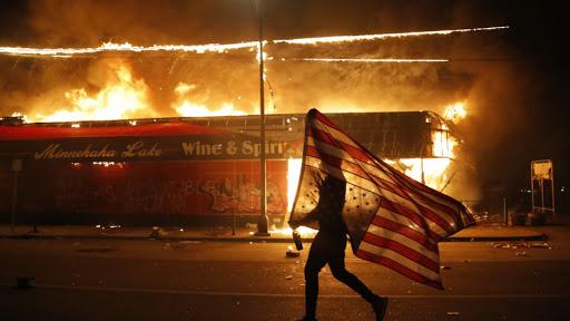 disturbios en casa blanca