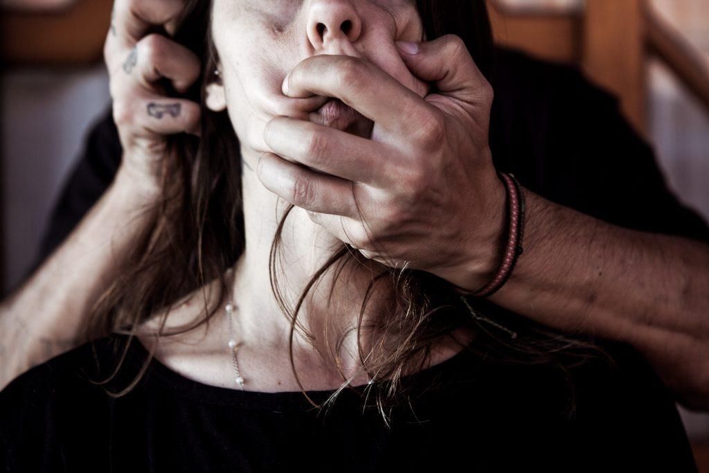 maltrato a las mujeres