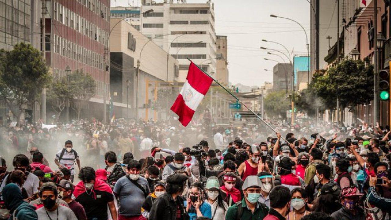 La democracia peruana afronta su mayor desafío desde la dictadura de Fujimori