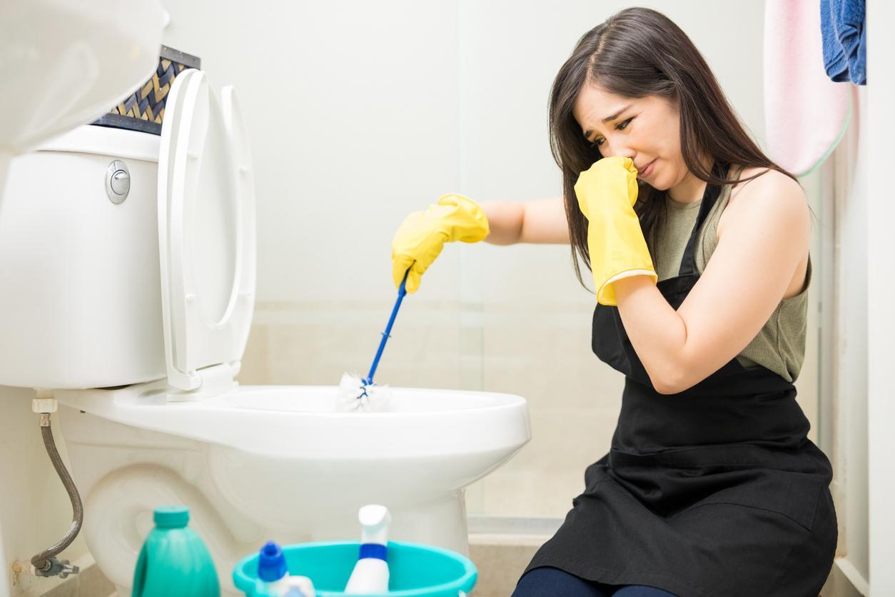 malos olores en el baño