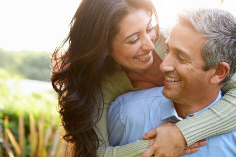 adultos en un noviazgo largo