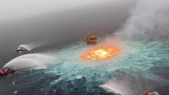 Explosiones en el mar