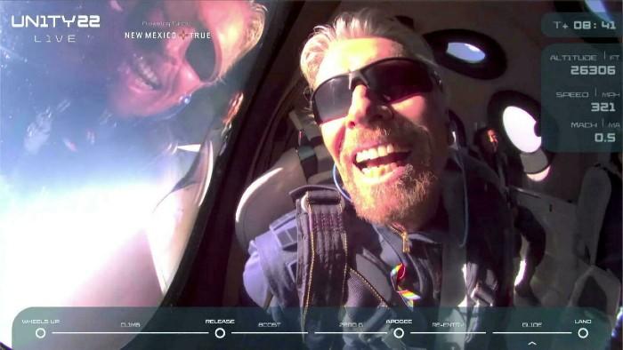 Richard Branson en el espacio
